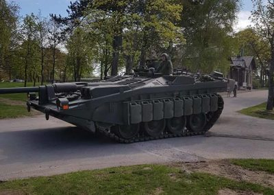 019 Stridsvagn 103